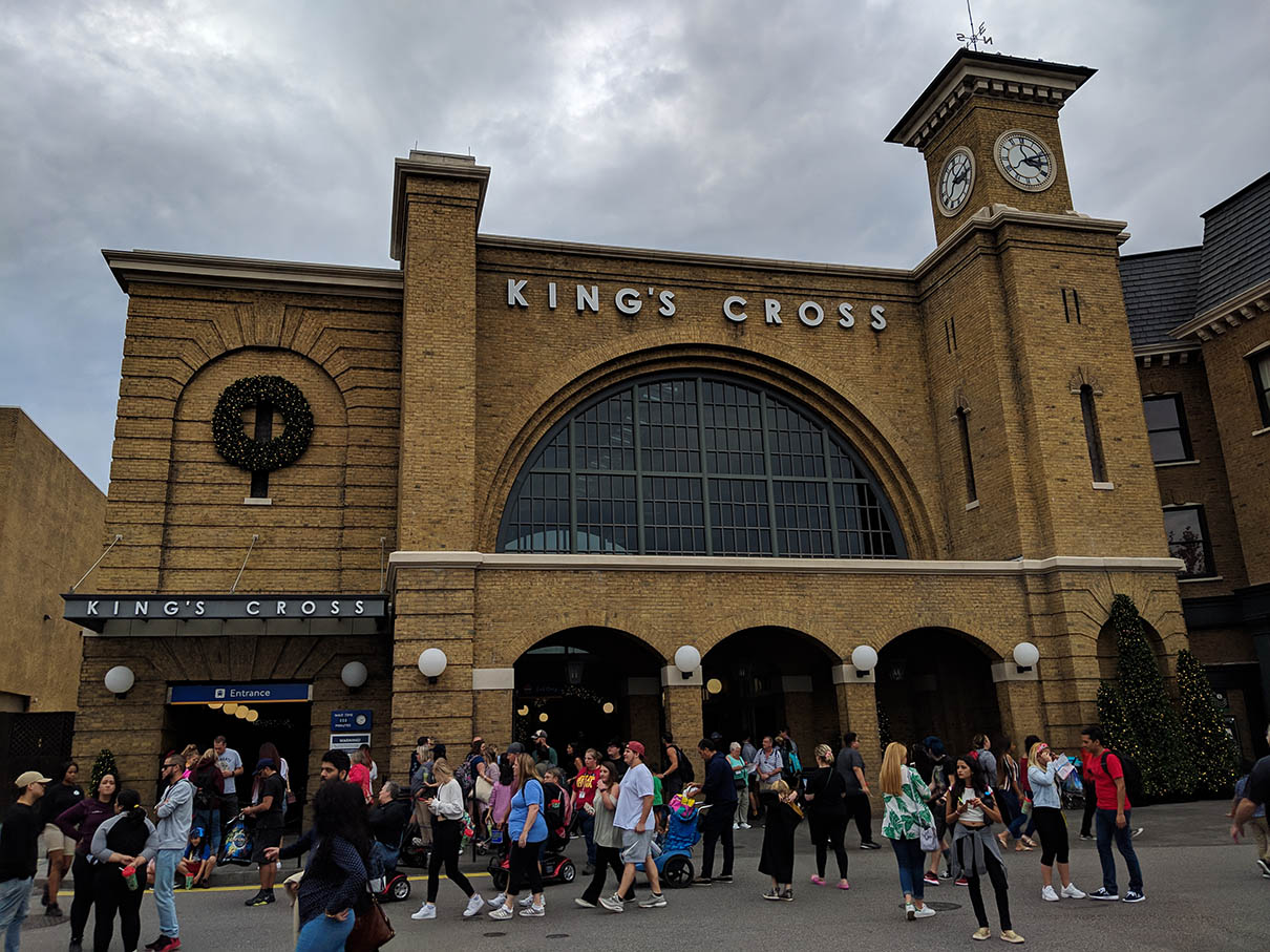 A very Potter Thanksgiving King's Cross Station