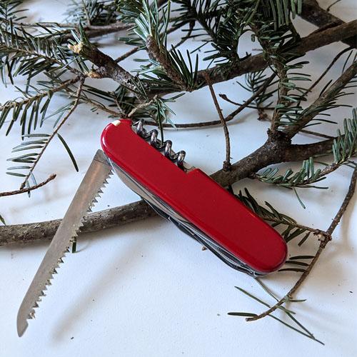 DIY Christmas wreath cutting tool