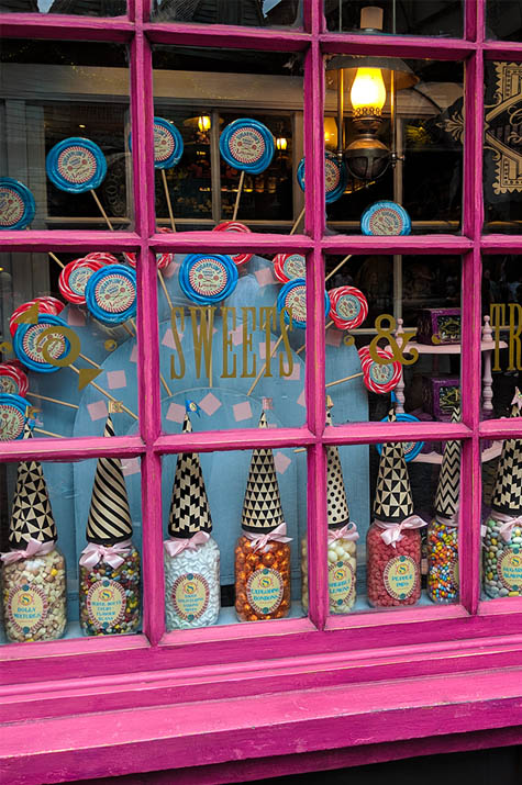 A very Potter Thanksgiving window of sweets